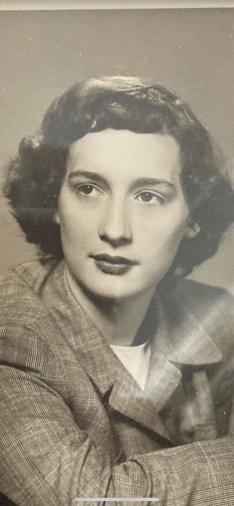 Elizabeth<br />Lowe