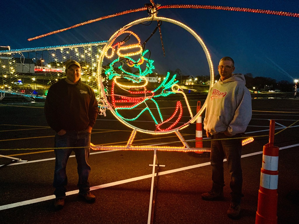 AMAZING ARTISTRY is on display throughout Warsaw with magnificent Christmas displays that have been designed by Josh Reno  and Ronnie Jackman . The lights will be officially switched on Thanksgiving night.